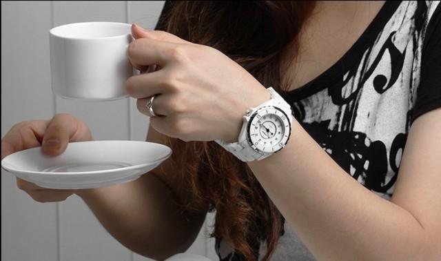 Ceramic Wrist band watch in BD
